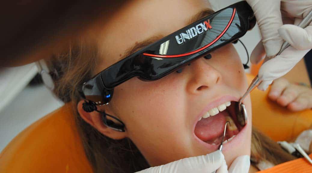 Paura del dentista: meglio con la realtà virtuale