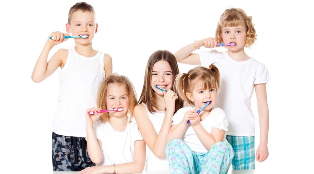 Igiene orale bambini: 7 consigli per ridurre gli zuccheri
